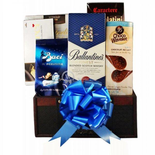 BBB - Blue Ballantines Basket Christmas Gift