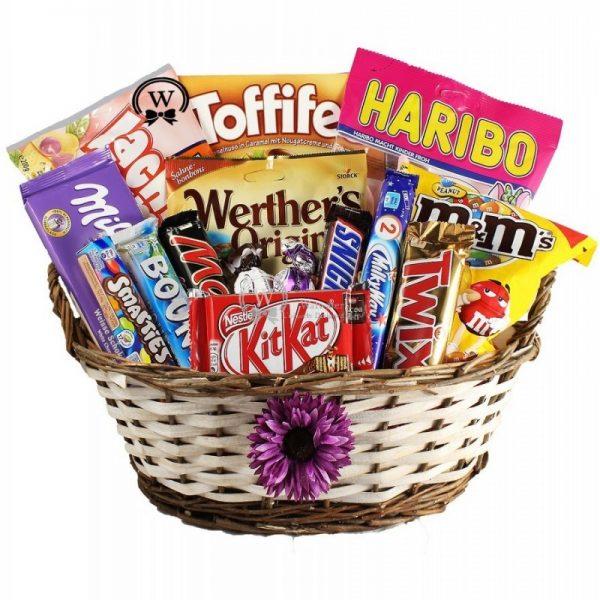 Best Treats Basket - Christmas Gift