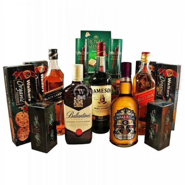 Between Edinburgh to Dublin - Deluxe Whiskey Christmas Gift Basket