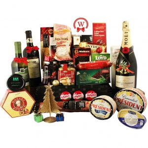 Celebrate with Style – Gourmet Christmas Gift Basket