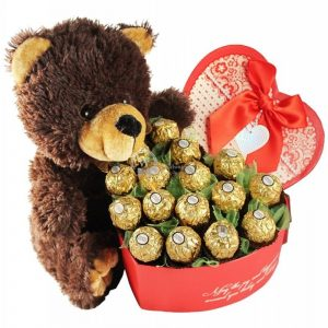 Classic Love – Ferrero Rocher Bouquet Christmas Gift