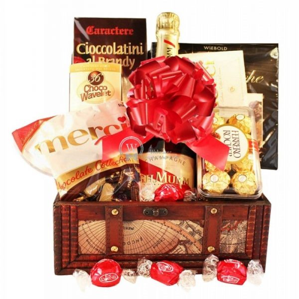 G.H. Mumm - Champagne Christmas Gift Basket