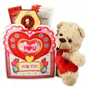 Hugs and Kisses – Romantic Christmas Gift Set