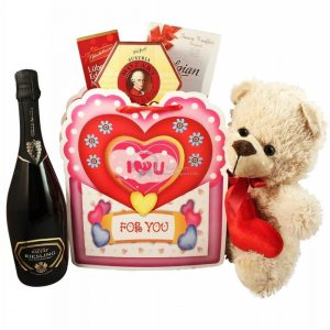 Hugs and Kisses with Sparkling Wine – Christmas Gift