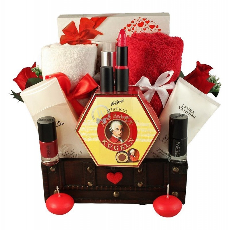 Love Senses – Christmas Gift Basket For Her