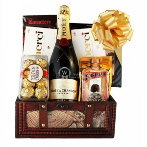MOET Treasure – Champagne Christmas Gift Basket
