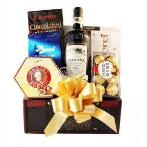 May's Compose Christmas Gift Basket