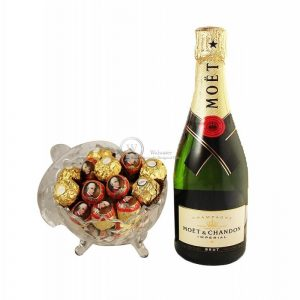Mozart Rocher Royal with Moet – Christmas Gift