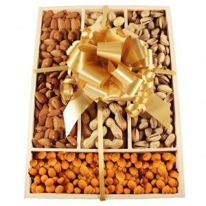 Nuts Me Up – Nuts Selection Wooden Kit Christmas Gift