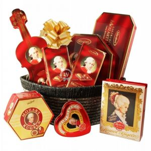Sweet Mozart Full Symphony – Chocolate Christmas Gift Basket