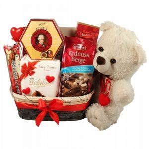 Sweet Teddy Devotion – Chocolate Christmas Gift Hamper